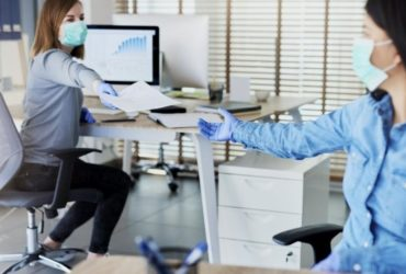 Como empresas estão se preparando para voltar ao escritório após quarentena